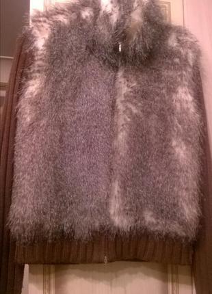 Кофта или куртка с мехом енота(искусственный(c&c)