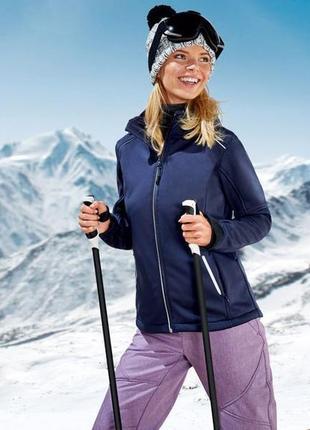 Функциональная и удобная куртка crivit softshell - германия.m размер