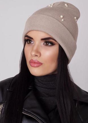 Красивая шапочка с бусинками