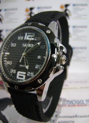 Мужские наручные часы skmei 0992 с датой на силиконовом ремешке