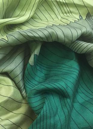 Красивый шелковый платок,палантин,шарф me/япония 100%шелк