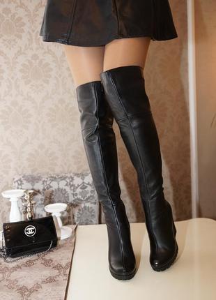 Черные классические ботфорты в коже