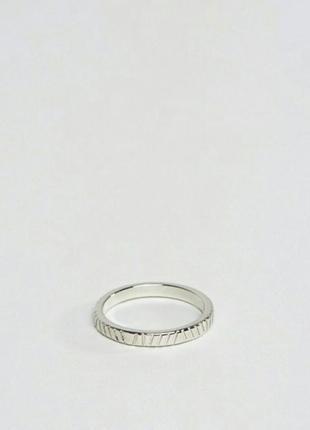 Кольцо серебряное гравировка asos