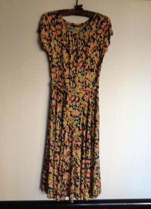 Супер платье в цветочек max mara weekend