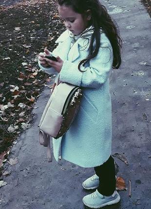 Теплое очень классное, стильное пальто на девочку.