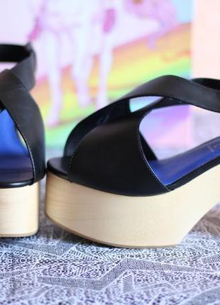 Стильные кожаные босоножки от jeffrey campbell