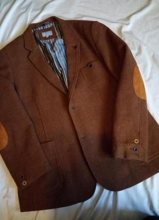 Бомбезный осенний пиджак с латками на рукавах шерсть шерстяной
