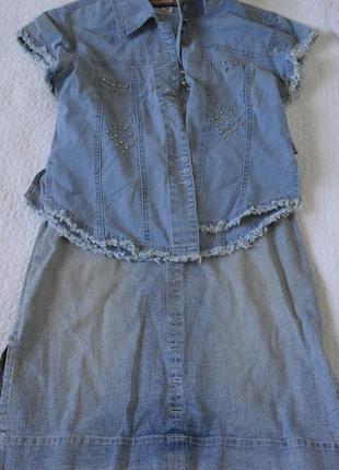 Джинсовый комплект: рубашка, блуза и юбка