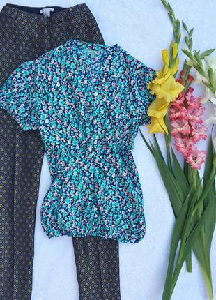 Блузка в яркий цветочный принт