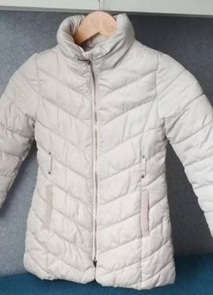 Демисезонная куртка на девочку 5-6 лет