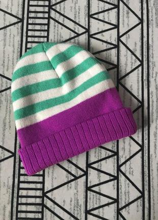 Яркая разноцветная шапочка!