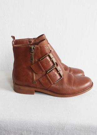 Осенние кожаные ботинки clarks