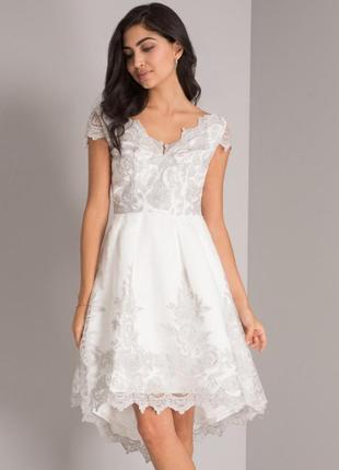 Белое кружевное, вечернее платье, с вышивкой