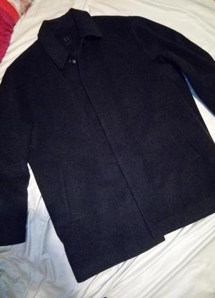 Итальянское зимнее пальто короткое на утеплителе лёгкое как перо 100%шерсть 60-62 размер