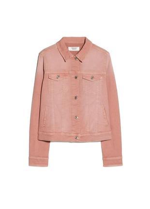 Пудровая куртка джинсовый пиджак суперстрейч от mango