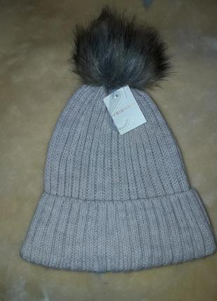 Жіноча шапка  primark