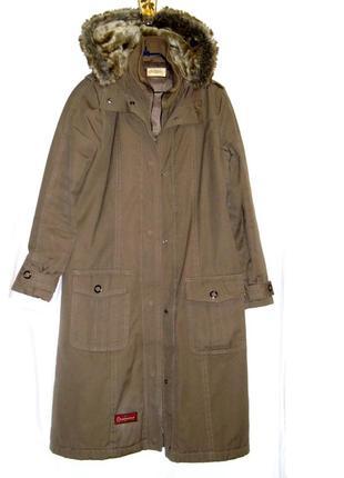 Пальто-плащ на утеплителе,цвет мокрый песок р 10-12 с капюшеном.