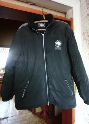 Мужская зимняя куртка большого размера.