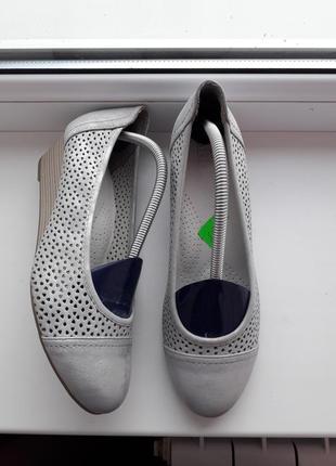 Серебристые туфли/внутри кожа!easy street.новые!сток