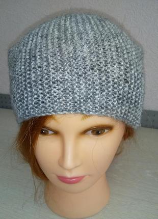 Серо-серябрянная серебряная шапочка бини