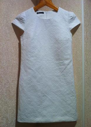 Белоснежное жакардовое мини платье жакард