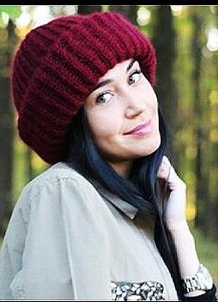 Вязаная шапка такори бордовая