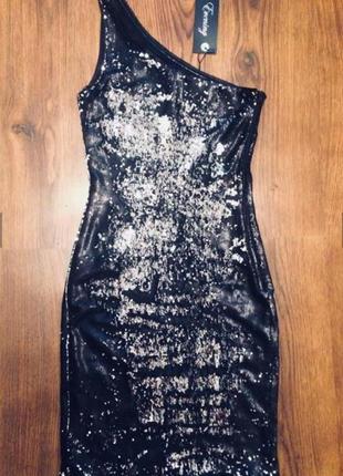 Платье в паетки вечернее коктельное