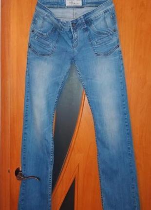 Класні плотні джинси
