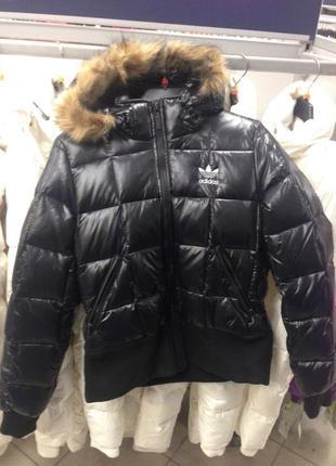 Пуховик adidas с капюшоном, зима.женский пух + перо