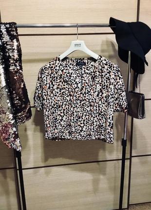 Стильная короткая футболка, смотрите огромный выбор вещей!!! супер скидки%%%