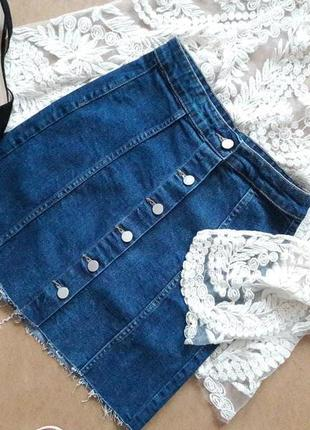 Трендовая джинсовая юбка.