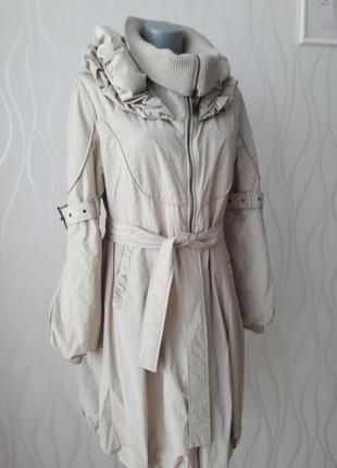 Невероятно красивое, милое пальто нежно бежевого цвета