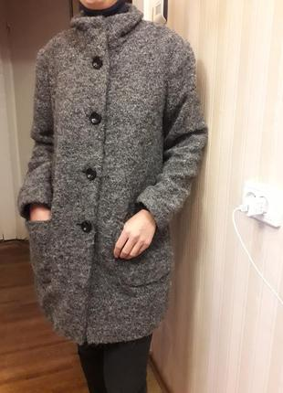 Шикарное пальто в составе шерсть,альпака
