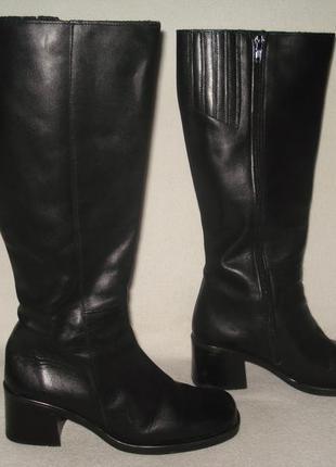 36.5-37 р./23,5 cм. фирменные демисезонные кожаные высокие сапоги