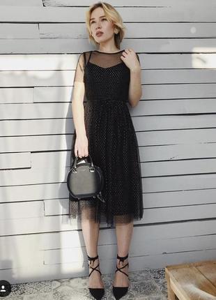 Роскошное миди платье в мелкий горошек