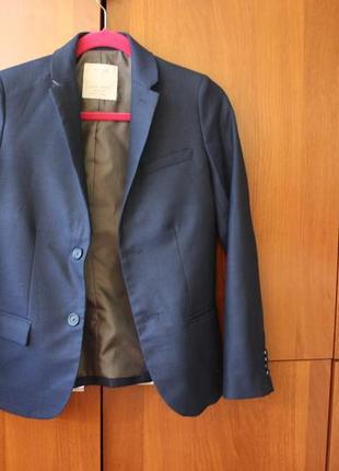 Качественный пиджак zara на мальчика 11-12 лет 152 см рост