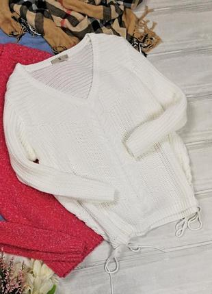 Белый джемпер в косы со шнуровкой по бокам в150136 tu пуловер