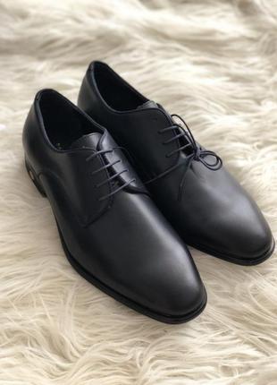 Очень стильные мужские кожаные туфли zara, синего цвета