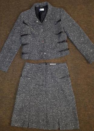 Классический шерстяной костюм от caterina leman. юбка и пиджак.