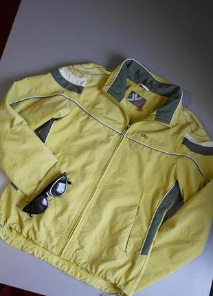 Модная олимпийка. зелёная олимпийка. спортивная курточка. зелёная ветровка.