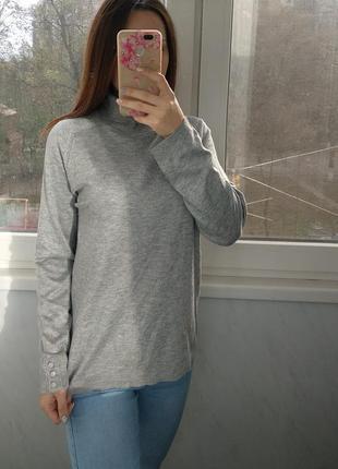 Мягенький серый свитер с пуговицами dorothy perkins