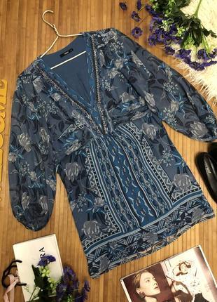 100% шелк. стмпатичное нарядное платье