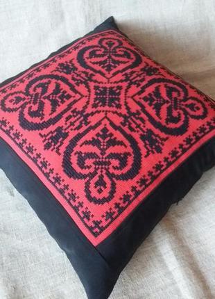 Декоративная наволочка. ручная вышивка болгарским крестом.