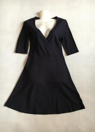 Платье из плотного трикотажа темно-синего цвета