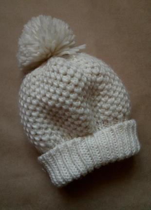 Стильная шапка, белая шапка,шапка с помпоном,теплая вязанная шапка atmosphere