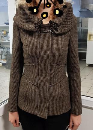 Продам отличное пальто zara