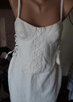 Изумительное платье versus versace 44 it белое