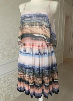 Платье лёгкое , светлое на подкладке светло голубое