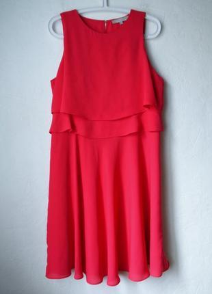 Красивое малиновое платье