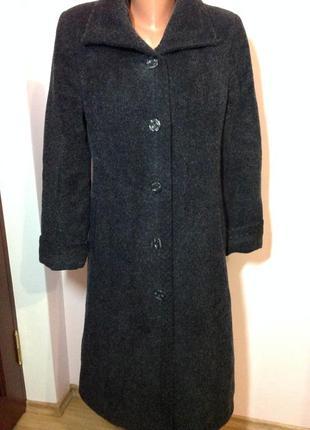 Итальянское качественное тёплое пальто. /l- xl/ brend adrianno damianii